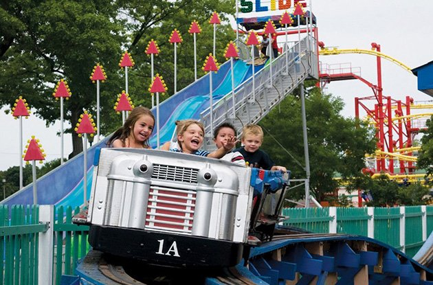 Family-Friendly Amusement Parks in in the New York Area