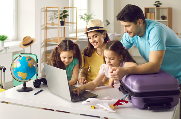 The 7 Best Travel Apps and Sites Every Parent Needs