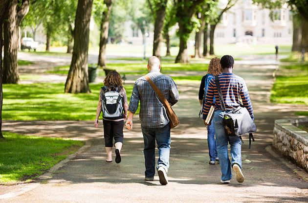 How to Tour Colleges with Your Kids–And Stay on Budget