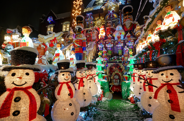 The Best Places to See Christmas Lights in New York