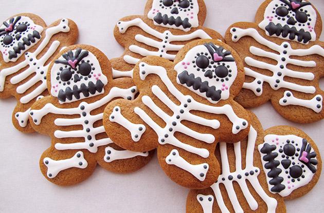 How to Make Día de Los Muertos Cookies