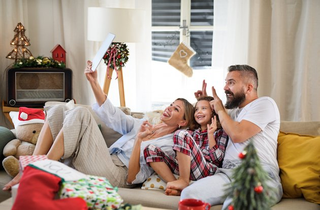 This is How to Create a Festive Video Holiday Greeting