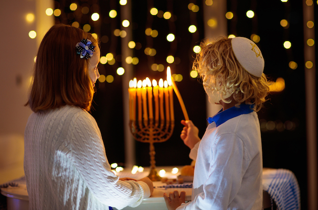 How to Celebrate Hanukkah in New York in 2020