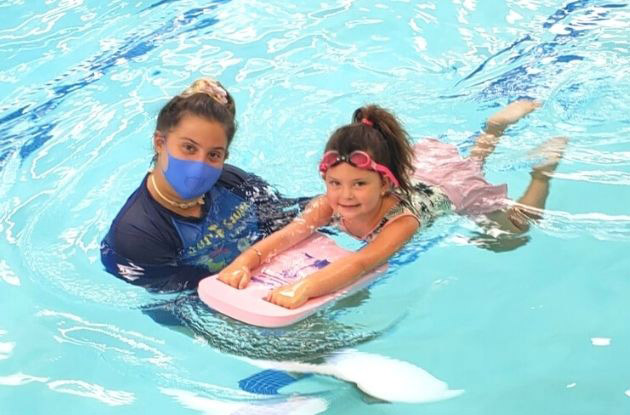 How to Choose Swimming Lessons for Kids and Babies