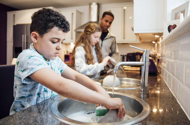 5 Benefits of Giving Your Kids Chores
