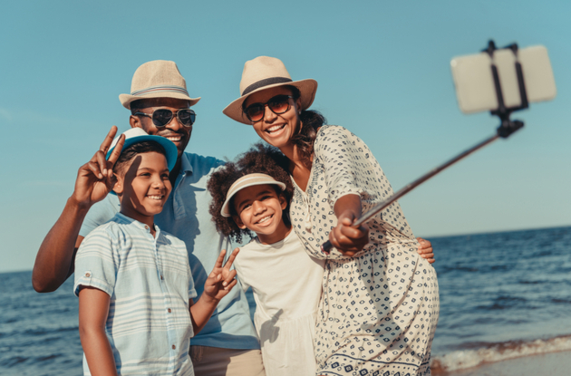 Photo Scavenger Hunt: 30 Fun Selfie Ideas for Your Family this Summer