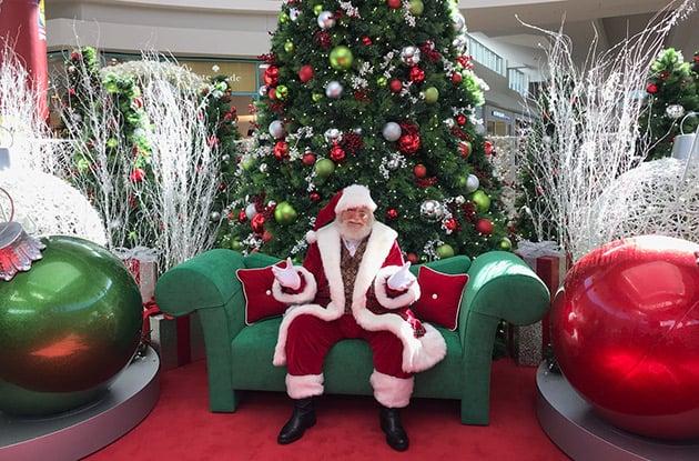 "Walt Whitman Shops Unveils New ""Santa Set"" for Families This Holiday Season"