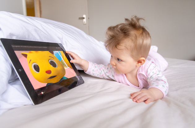Exposure to Touchscreens and TVs Can Disrupt Infant Sleep