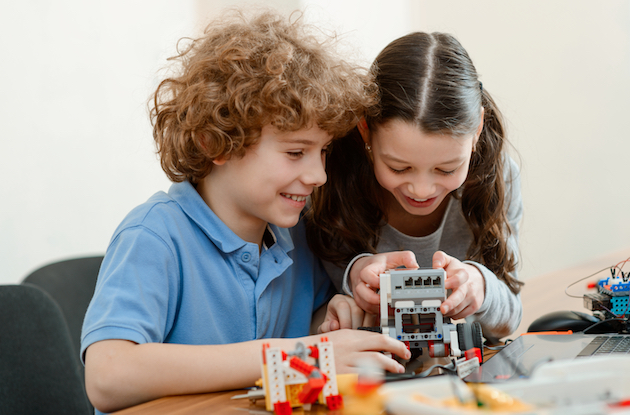 11 Awesome STEM Toys for Kids