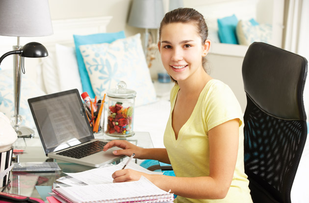 11 Places to Find and Research College Scholarships Online