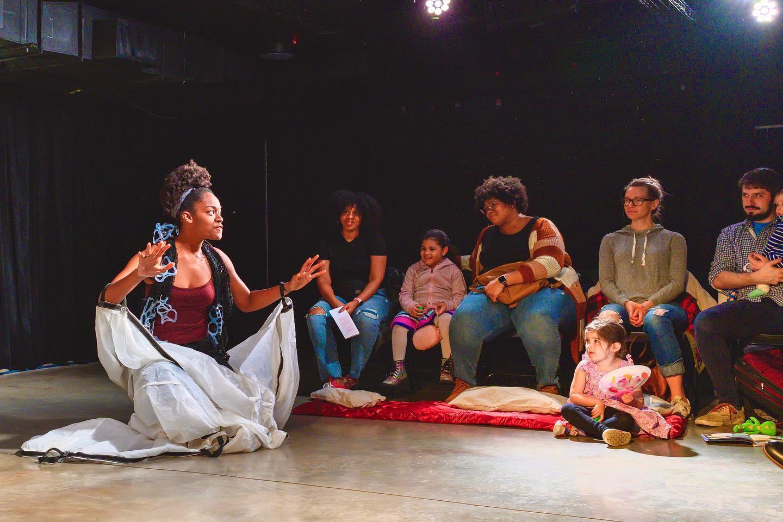 ONLINE La Canción en la Tormenta at Emit Theatre