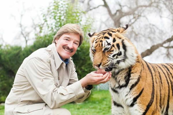 Wildlife Expert Peter Gros at THE RIDGEFIELD PLAYHOUSE