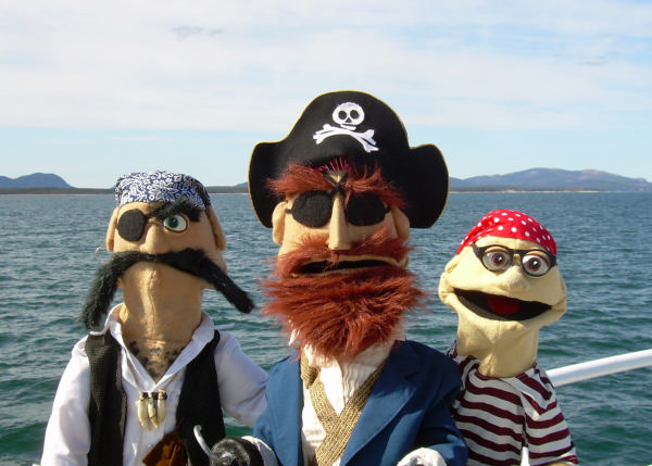Frogtown Mountain Puppeteers: Everybody Loves Pirates at Symphony Space
