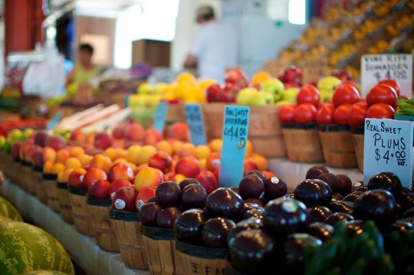 Westbury Farmers and Artists Market at Piazza Ernesto Strada