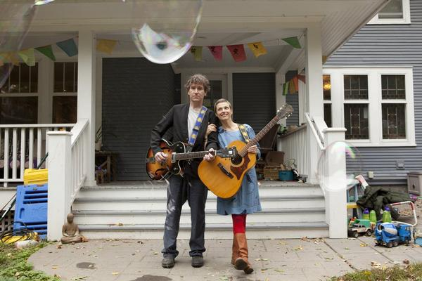The Weepies – Holiday Acoustic Duo Tour at Paramount Hudson Valley Theater