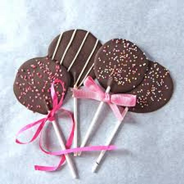 Teen Treats: Chocolate Lollipops at Ossining Public Library