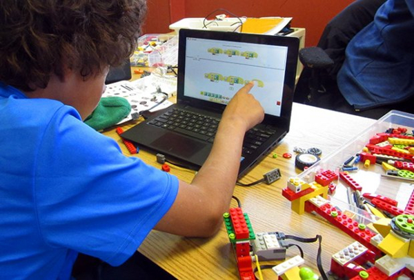 Build Robots and Learn how to Code at Sylvan of Huntington