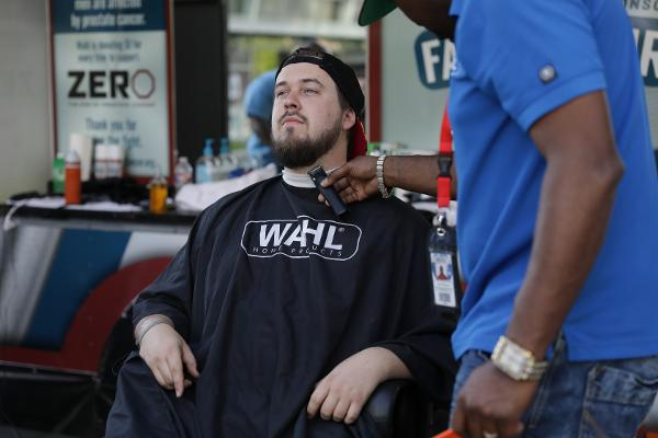 Wahl Offering Free Facial Hair Trims at Times Square at Times Square