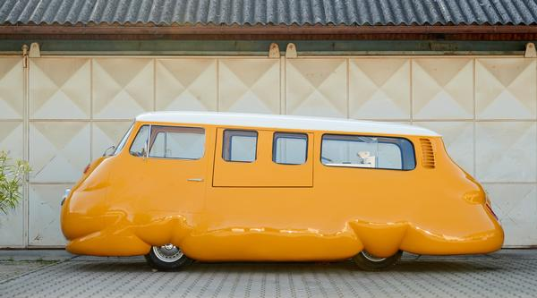 Erwin Wurm: Hot Dog Bus at Brooklyn Bridge Park