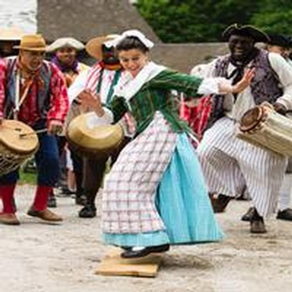 Djembes and Dance at Philipsburg Manor