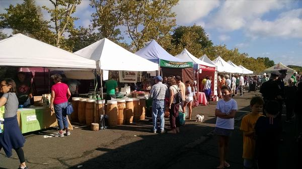 Larchmont Farmers Market at Down to Earth