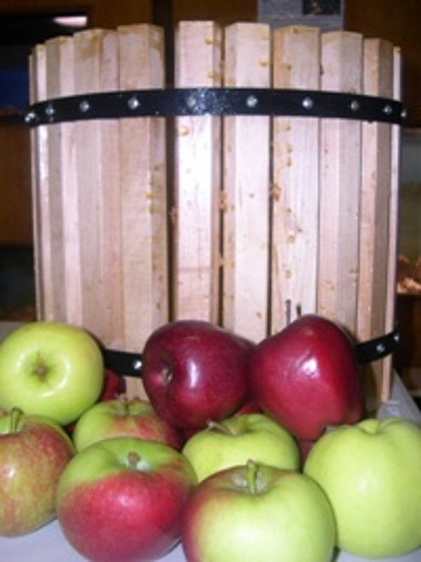 Apple Cider Making at Tenafly Nature Center