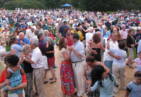 Picnic Pops Summer Concert Series at Old Westbury Gardens