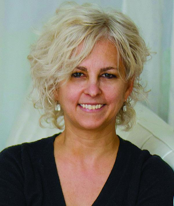 Storyteller Kate DiCamillo at Roger Ludlowe Middle School Auditorium