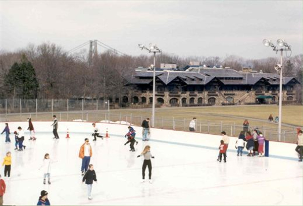 PUBLIC SKATING SESSIONS at Bear Mountain Ice Rink