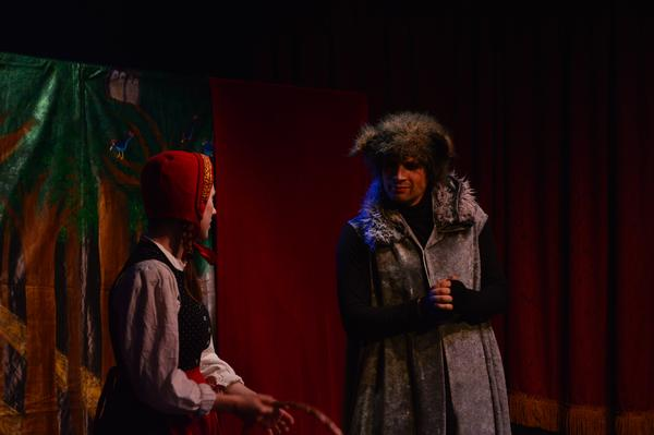 Galli's 'Little Red Riding Hood' at Galli Theater