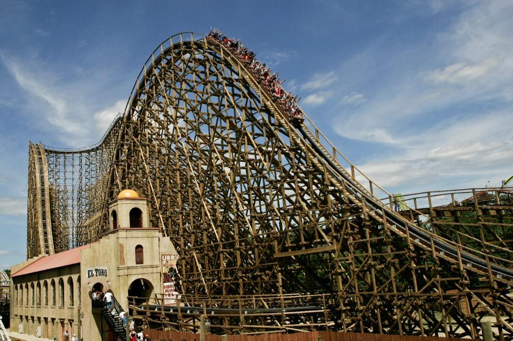 Coaster Power Hours Thursdays at Six Flags Great Adventure