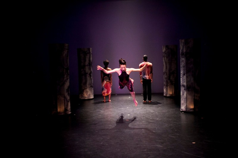 Baruch Performing Arts Center and Amanda Selwyn Dance Theatre present the World Premiere of Hindsight at Baruch Performing Arts Center