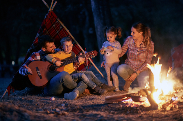 sing under the stars as a fun thing to do at night